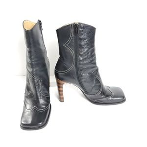 Two Lips Ethan leather boots size 9